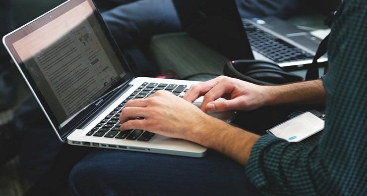Se Merita Sa Imi Cumpar Un Laptop Second Hand?